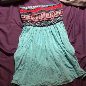 Stapless mini dress w/ pockets